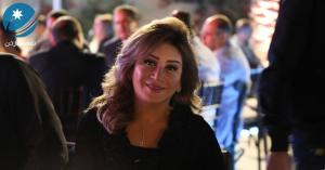 الأسرة الفنية والإعلامية تفاجئ الفنانة امل الدباس بيوم ميلادها
