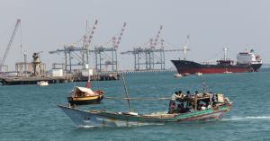 الإمارات: تعرض 4 سفن تجارية لعمليات تخريبية