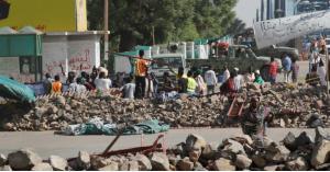 اغلاق الشارع المؤدي إلى القصر الرئاسي في السودان