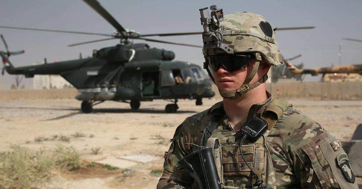 أمريكا تأمر بمغادرة موظفيها غير الضروريين من العراق
