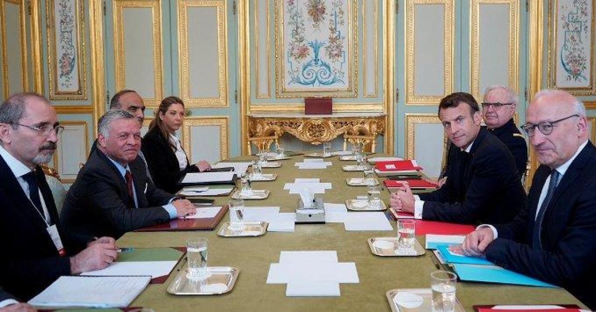 الملك وماكرون يبحثان فرص تعزيز التعاون