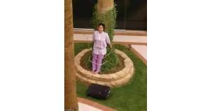 عائلة سعودية ثرية تربط خادمة فلبينية بشجرة والسبب.. تفاصيل