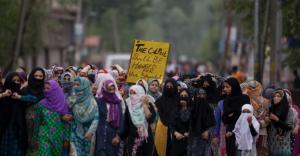 احتجاجات واسعة بالهند للمطالبة بإعدام فتى اعتدى على طفلة عمرها 3 سنوات.. صور