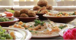 أطعمة تزيد العطش في رمضان.. تجنبها في السحور