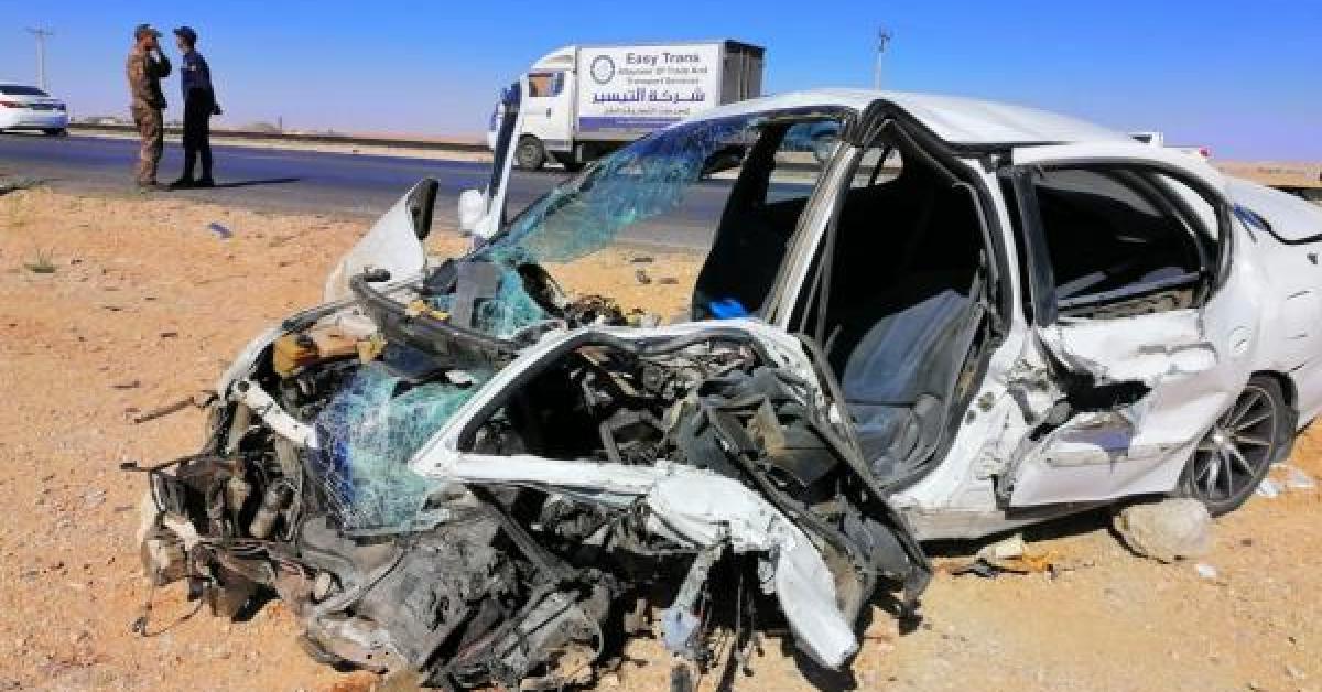 اصابات بحادث تصادم على الطريق الصحراوي