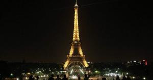 الشرطة الفرنسية تخلي برج إيفل
