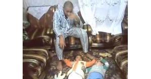 بتحريض من زوجته الثانية رجل يقتل أولاده الثلاثة بدم بارد .. تفاصيل