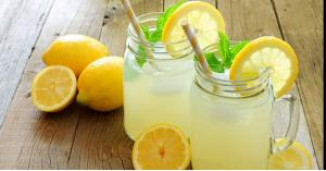 فوائد شرب الليموناضة بعد الإفطار