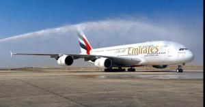 طائرة الإمارات العملاقة (A380) تصل عمّان في أول رحلة منتظمة.. صور