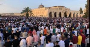 120 ألف فلسطيني يؤدون صلاة العيد في الأقصى