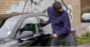 كشف ملابسات قضية استرداد سياره مسروقه مقابل (4) الاف دينار