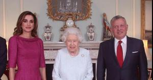 جلالة الملك يتلقى برقية تهنئة من ملكة بريطانيا