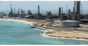 النفط ينخفض رغم توترات الخليج