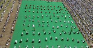 العالم يحتفل بيوم اليوغا