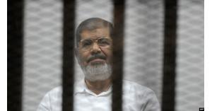 تفاصيل صادمة ليلة وفاة مرسي يرويها نجله