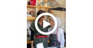 الملكة رانيا تلتقي عددا من الشباب المبدعين في مادبا (فيديو)