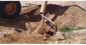 وزارة المياه تردم بئرا مخالفا في منطقة الرمثا بعمق 500 متر