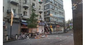 عودة حركة السير بوسط البلد لطبيعتها بعد انفجار داخل مطعم (صور)