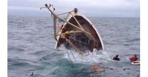 انقلاب قارب مهاجرين قبالة السواحل التونسية