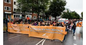 ألمانيا: أكثر من 30 ألف متظاهر في الشوارع دعما لمنظمات إنقاذ المهاجرين