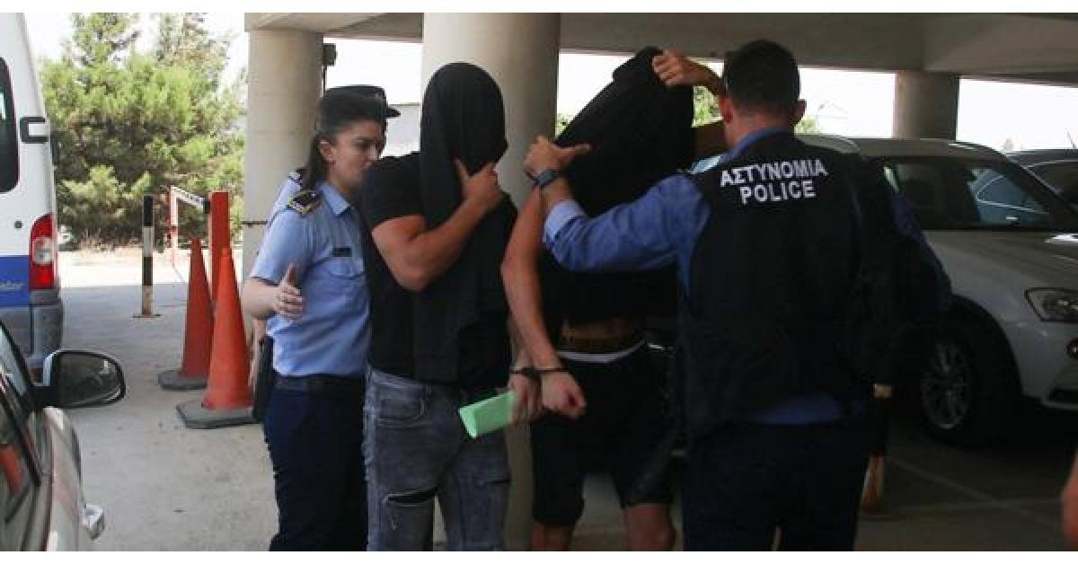 محكمة قبرصية تأمر بحبس 12 شابا إسرائيليا في قضية اغتصاب سائحة بريطانية
