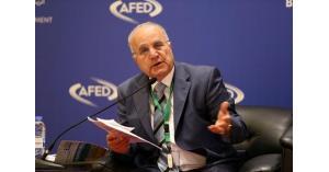 بدران: على الحكومة التوقف عن فرض الضرائب