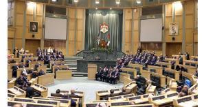 """13 مشروع قانون على """"استثنائية النواب"""" و""""العرموطي"""" يطالب بردها"""