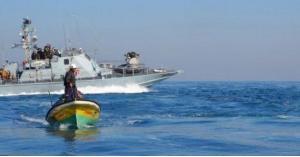 الاحتلال يعتقل صيادين اثنين في بحر رفح جنوبي قطاع غزة