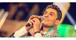 محمد عسّاف من باحة المخيم إلى فضاء الأغنية