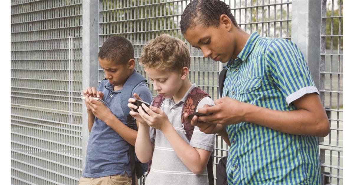 """خلل في """"فيسبوك"""" يعرض الأطفال للخطر!"""