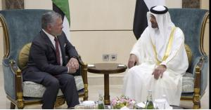 الملك وولي عهد أبوظبي يؤكدان متانة العلاقات الأخوية والتاريخية بين البلدين