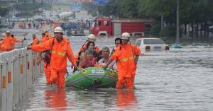 مصرع 14 شخصاً وفقدان 3 بسبب فيضانات وانهيارات أرضية في الصين