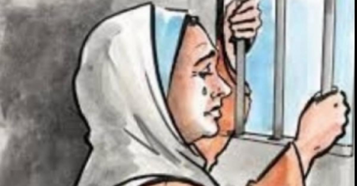 دموعها سالت فرحاً.. فاعل خير يسد دين امرأة غارمه