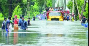 الهند: 147 قتيلا وإجلاء مئات آلاف السكان جراء الفيضانات