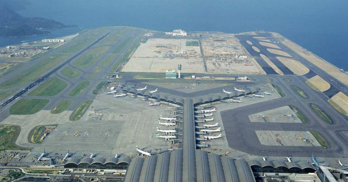هونغ كونغ تلغي رحلاتها الجوية والسبب...