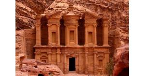 ٩٤٪ يأكدون غلاء السياحه في الأردن