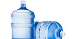 ضبط 900 عبوة مياه فاسدة بالبلقاء