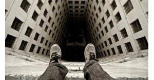 الأمن يثني شخص عن الإنتحار في عمان