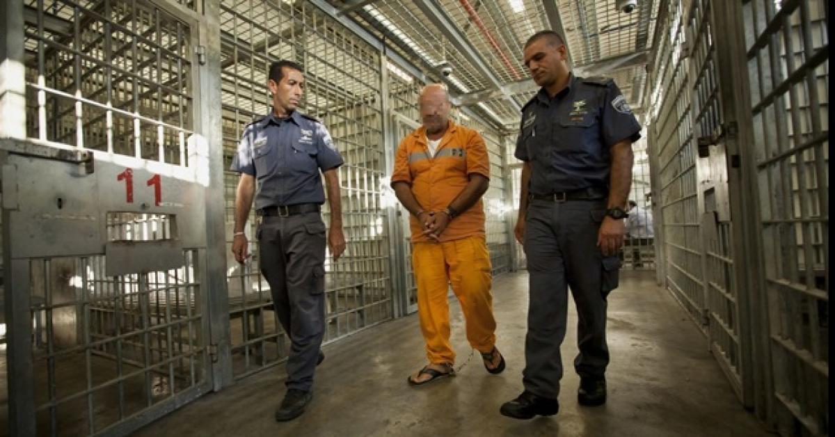 قلق حقوقي تجاه الحالة الصحية لمعتقل فلسطيني في السجون الإسرائيلية
