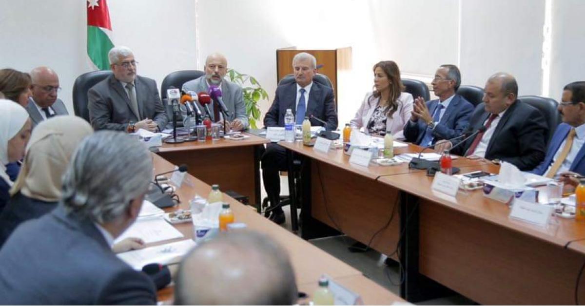 الرزاز يؤكد التزام الحكومة بتعزيز منظومة حقوق الانسان والحريات العامة