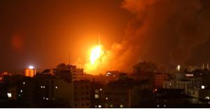 استشهاد فلسطينيين وإصابة ثالث بقصف إسرائيلي غرب غزة