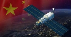 قمران صينيان للجاذبية والشراع الشمسي