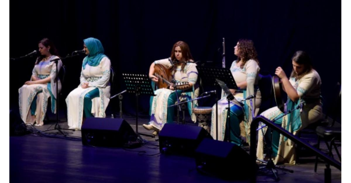 فرقة (نايا) الأردنية تصدح بأعذب الأغاني ..فيديو