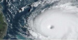إعصار غير مسبوق يضرب جزر الباهاما