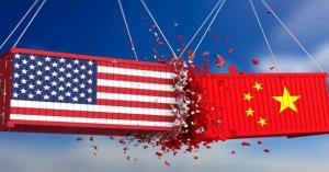 الحرب التجارية الامريكية الصينية تخفض اسعار النفط