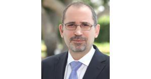 وزير الخارجية ونظيره العراقي يبحثان آفاق التعاون المشترك
