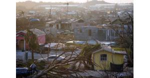 رائحة الموت تخيم على جزر الباهاما