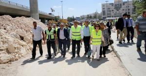 أعضاء أمانة عمان يطلعون على سير الأعمال بمشروع الباص السريع