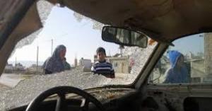 مستوطنون متطرفون يحطمون مركبات مواطنين جنوب نابلس