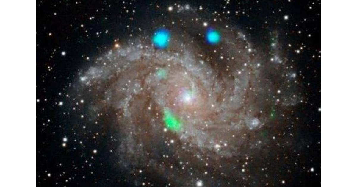 أضواء لامعة غامضة في مجرة بعيدة